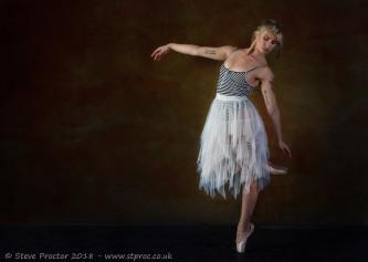 Pippa Doll - Dance